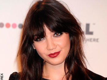 How tall is Daisy Lowe?